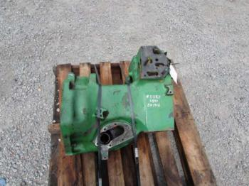 CLUTCH HOUSING & PARTS - POWER TRAIN Parts for DEERE 2840 -