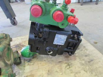 HYDRAULIC PUMP & PARTS - HYDRAULICS Parts for DEERE 9400 -