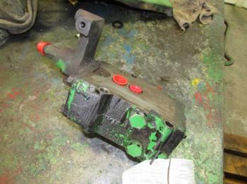 HYD REMOTE VALVE & PARTS - HYDRAULICS Parts for DEERE 1120 -