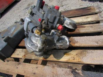 HYDRAULIC PUMP & PARTS - HYDRAULICS Parts for FORD/NHOLLAND 6640 -