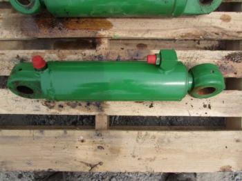 LIFT CYLINDER - 3-PT Parts for DEERE 8300 -