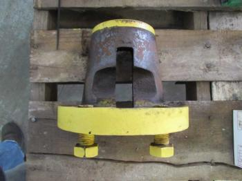 WEDGE/SLEEVE - WHEEL Parts for DEERE 7400 -
