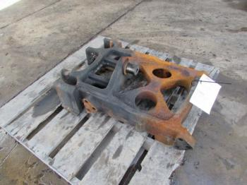 FRONT AXLE MFD SUPPORT - STEERING Parts for DEERE 7430 -
