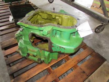 CLUTCH HOUSING & PARTS - POWER TRAIN Parts for DEERE 4440 -