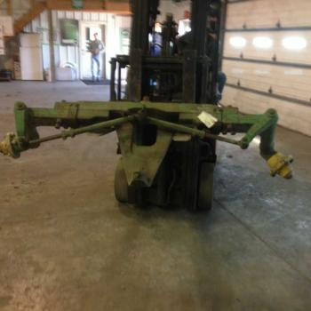 FRONT AXLE COMPLETE - STEERING Parts for DEERE 4440 -