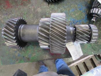 COUNTERSHAFT - POWER TRAIN Parts for DEERE 8640 -