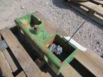 WEIGHT BRACKET - ATTACHMENT Parts for DEERE 4440 -