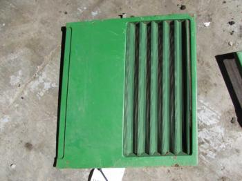 GRILLE/SCREEN - SHEET METAL Parts for DEERE 7400 -