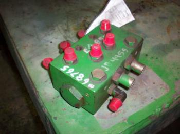 STEERING VALVE - STEERING Parts for DEERE 4955 -