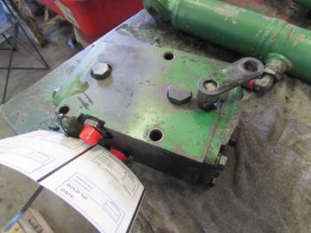 HYD REMOTE VALVE & PARTS - HYDRAULICS Parts for DEERE 2755 -