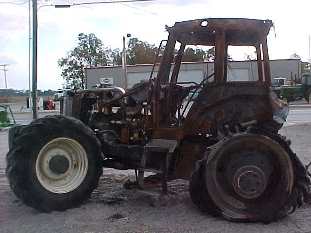 Ford New Holland 8770 Salvage Tractor At Bootheel