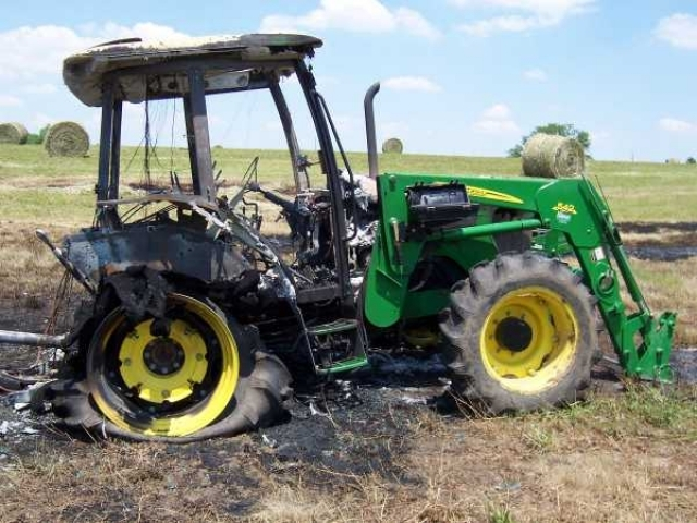 John deere 5520 salvage tractor at bootheel tractor parts